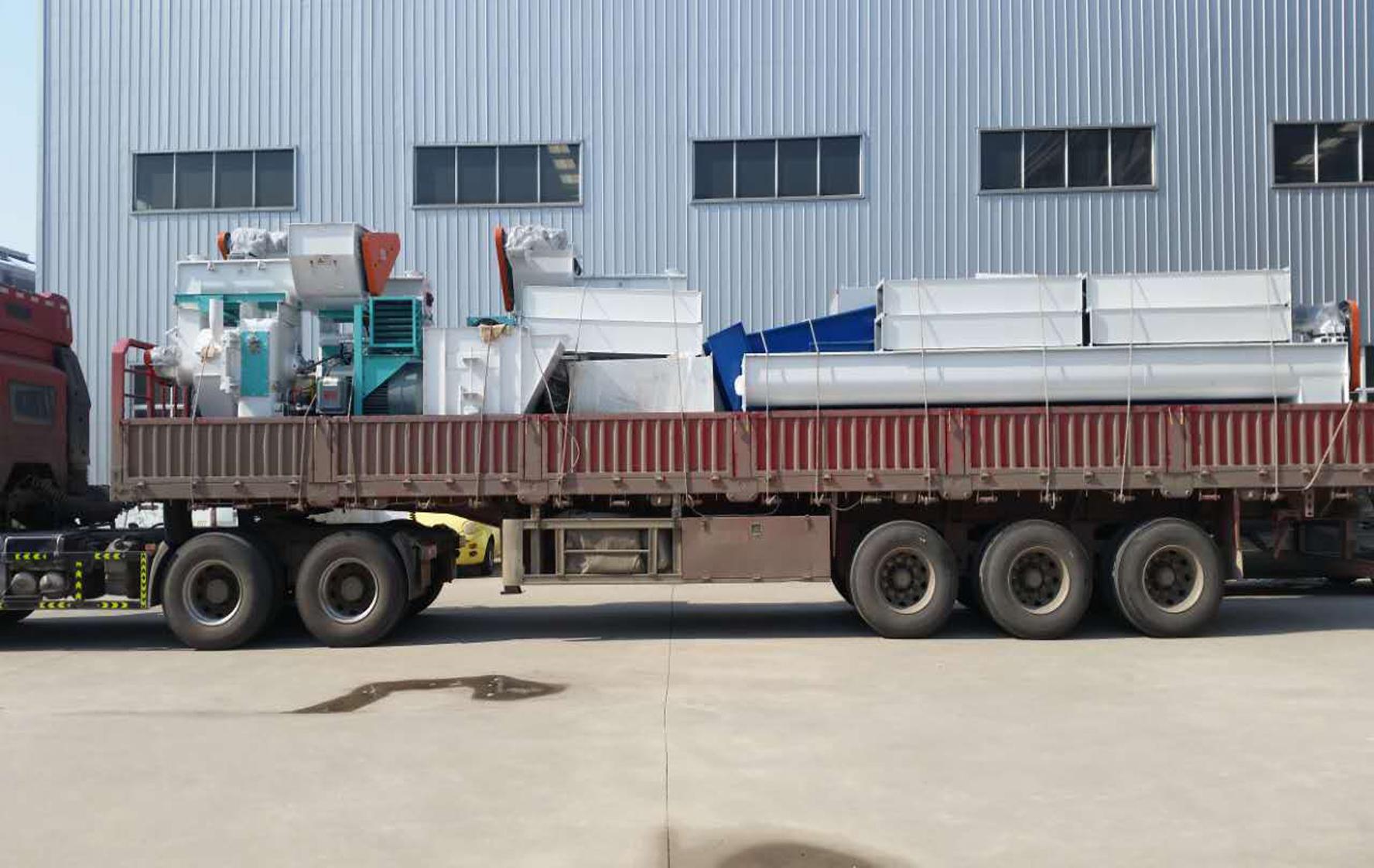 齐发机械-马鞍山3台制粒成套设备顺利发货