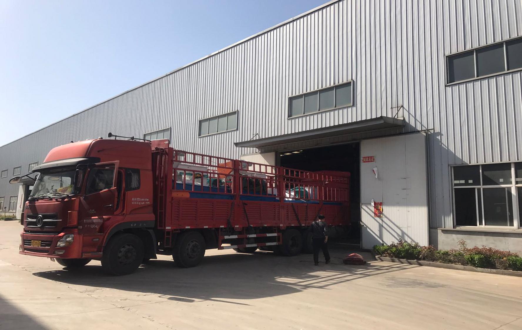 齐发机械-龙泉2台制粒成套设备顺利发货